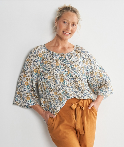 ¾ Slv Peasant Crinkle Print Top w/ Buttons